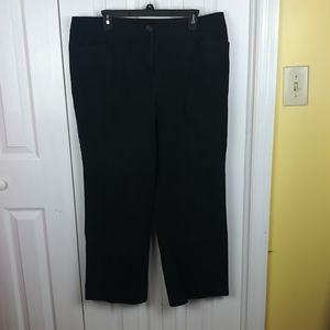 INC Woman cropped black pants